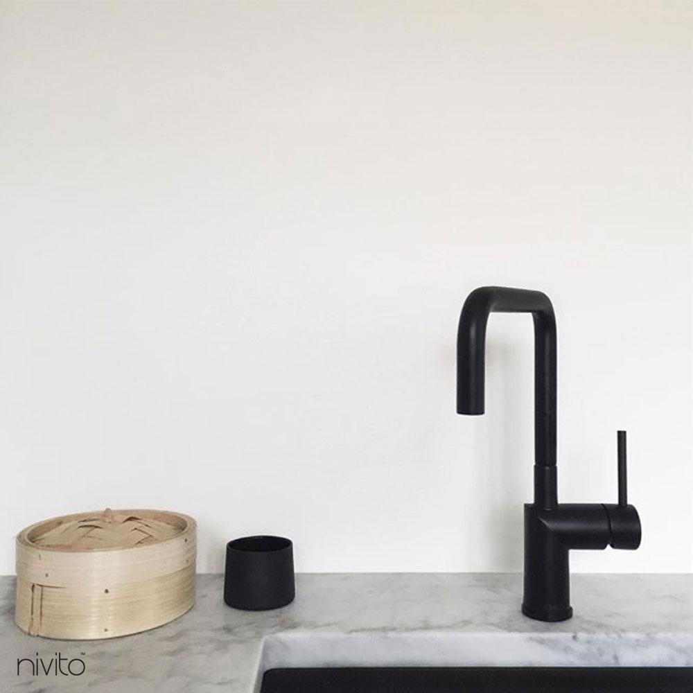 Water tap black